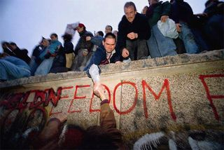 2-5Berlin Wall Freedom