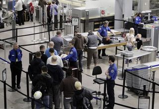 4-22large_airport-security