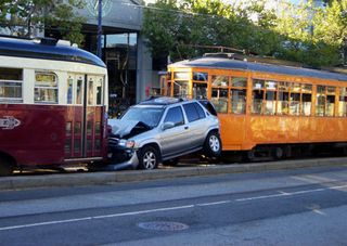 7-10muni_accident