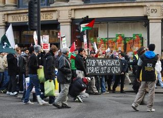 3-15anti-israel-protest-in-oxford-1