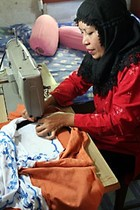 107_seamstress_in_sigli