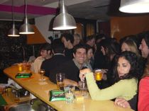 214bar_crowd